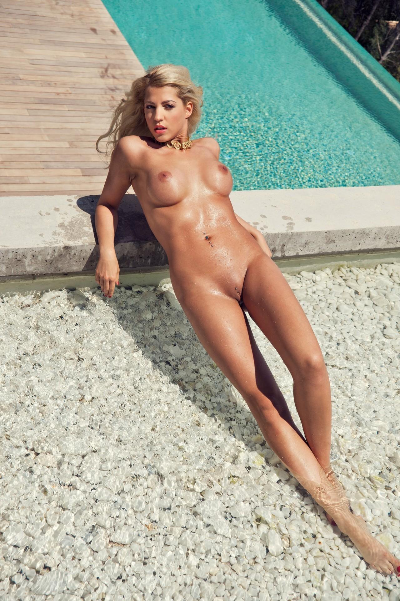 Germany nude playboy Mimi Gwozdz