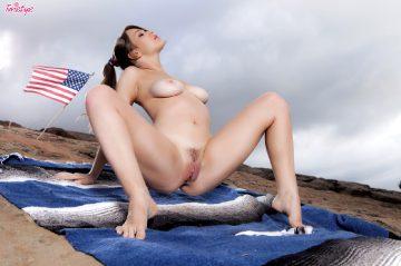 Alaina Fox Wishing You A Very Happy 4th Of July