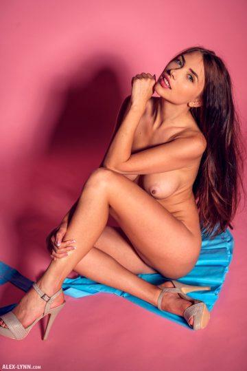 Alex-lynn Niemira – Pink Love