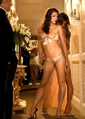 Alluring Via Nude Art Pictures