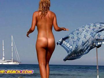 Amazing Hot Naked Blonde MILF filmed at the beach, voyeur cam