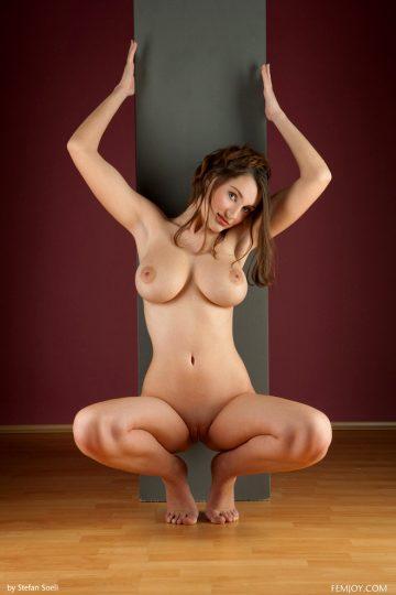 Awesome-big-boobed-model-ashley 3