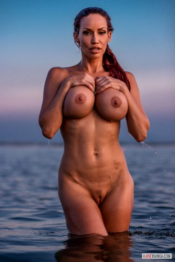 Biancabeauchamp Bianca Beauchamp – Busty Splash