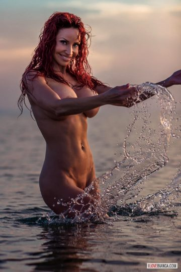 Busty-splash – Bianca Beauchamp