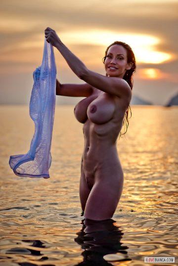 Busty Splash Bianca Beauchamp
