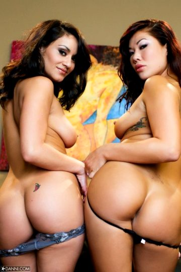 Charley Chase And London Keyes – Raw Pussy Pleasure