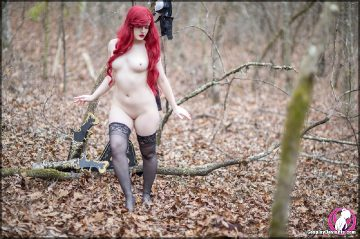Cosplaydeviants Sweet Mother Of Dragons Shock And Awe