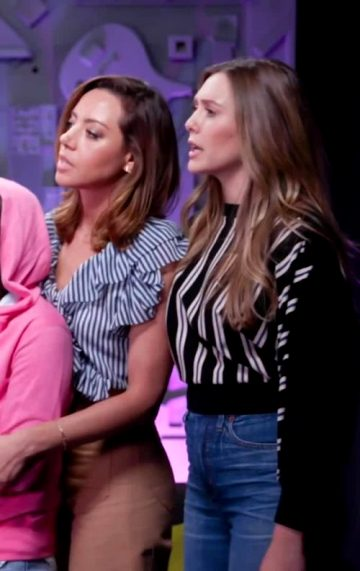 Elizabeth Olsen And Audrey Plaza.. Who Doesn't Like Bit Of Spanking From Elizabeth Olsen!!