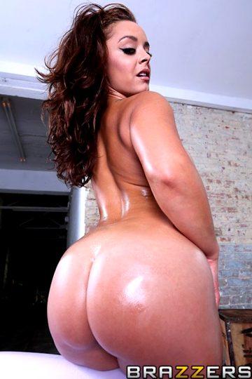 English Dick Vs French Booty – Liza Del Sierra – Big Wet Butts