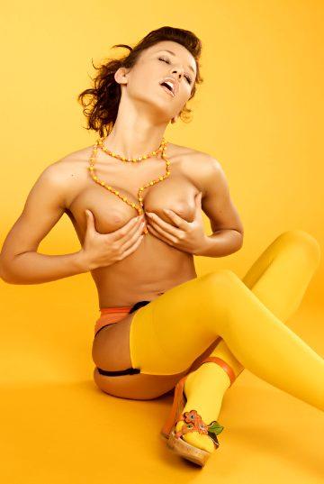 Eroticbeauty Albina – Honey