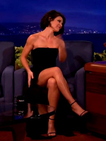 Evangeline Lilly Showing Off Her Fit Body