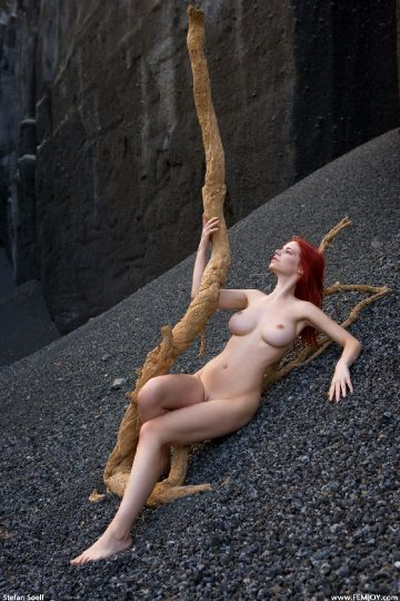 Femjoy Ariel Sculpture On Mars
