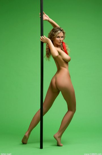 Femjoy Re Mandy Pole Dancer