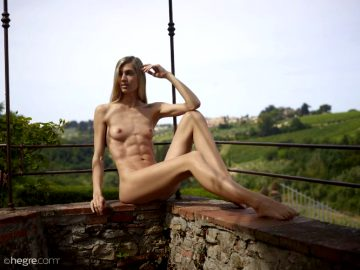 Francy – Gorgeous Washboard Abs