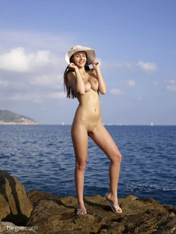 Hegre Alisa – Naked Vacation