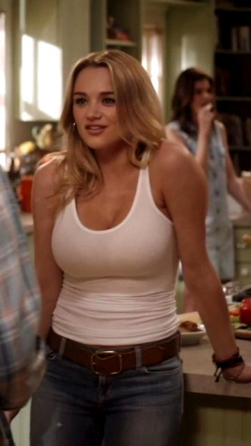 Hunter King's Knockers In 'Life In Pieces'