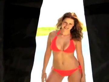 Jenna Fischer Bikini Photoshoot