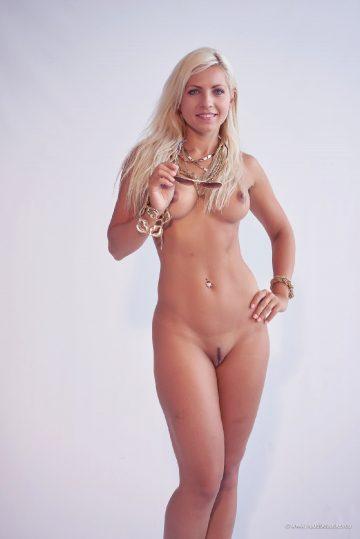 Jenni Golden Girl