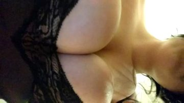 Jiggly Tits