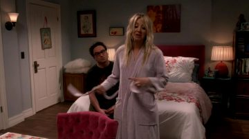 Kaley Cuoco – Sexy Lingerie From BBT S12