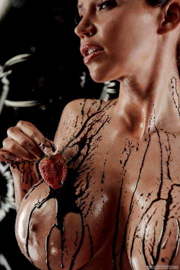 Kaosmancer Bianca Beauchamp Is The Perfect Halloween Chocolate