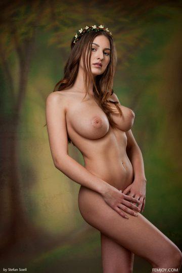 Karla-s-breathtaking-busty-beauty