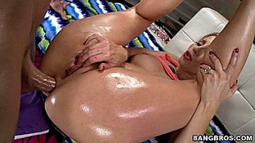 Kinky bitches giving blowjobs selection by 'analhookers'