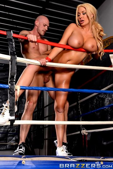Knockout Knockerssummer Briellebig Tits In Sports
