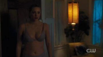 Lili Reinhart In Her Undies From The New Episode Of Riverdale