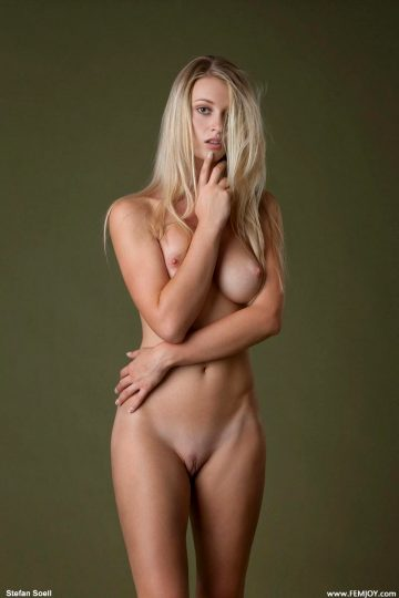 Lovely By Nude Art Pictures