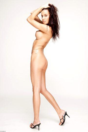 Mc Nudes Zoe Glam Girl