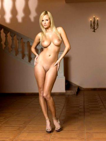 Mc-nudes Zuzana D Raylene