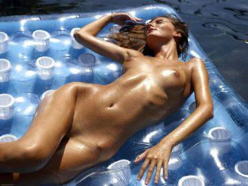 Melinda Hot As Hell Part