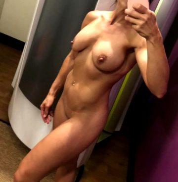 My It… Naked…. Girl! ?