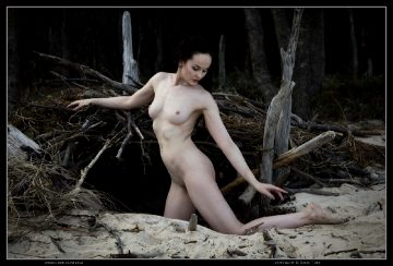 Nude-muse Anne In Burrow