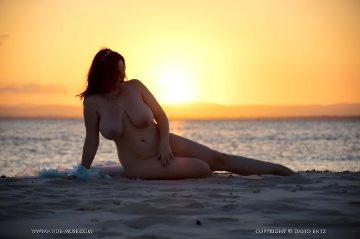 Nude-muse Avalon – Magic Hour