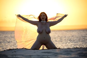 Nude-muse Avalon – Magic Hour