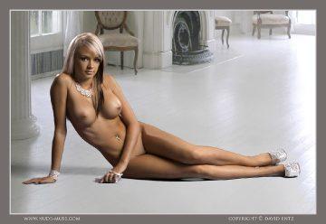 Nude-muse Erin – Cinderella