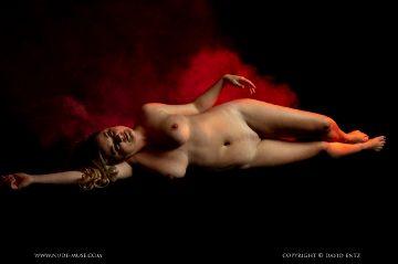 Nude Muse La Luna Red Mist