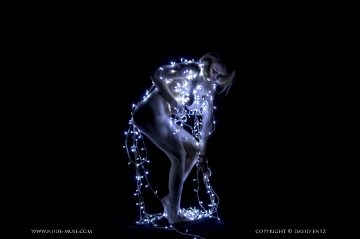 Nude-muse Misty Day – Fairy Lights