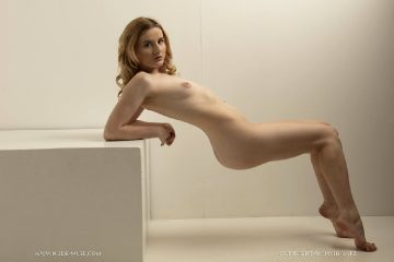 Nude Muse Scarlet Bend And Flex