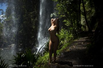 Nude Muse Scarlett Morgan In Paradise