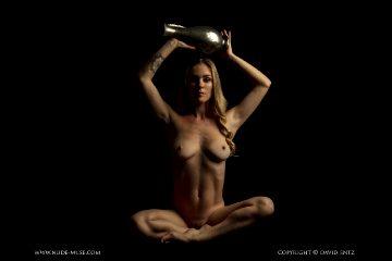 Nude Muse Venus Rose Urn