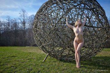 Nudebrauties Mia Look My Big Ball