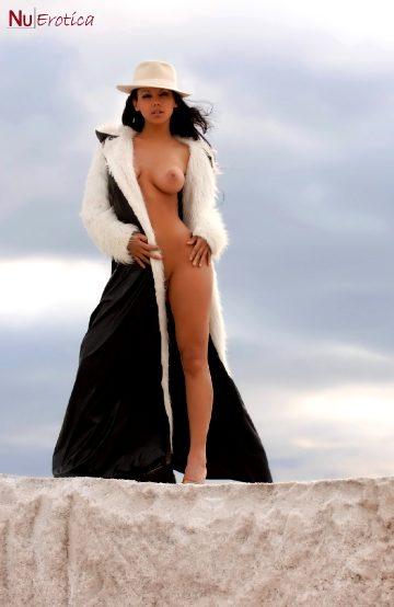Nuerotica Zahyra Amat Naked Outdoors