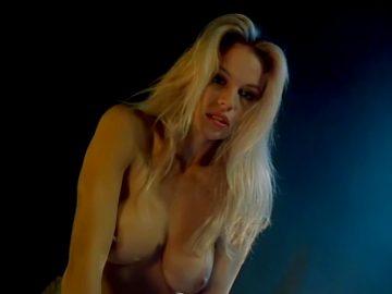Pamela Anderson In Snapdragon