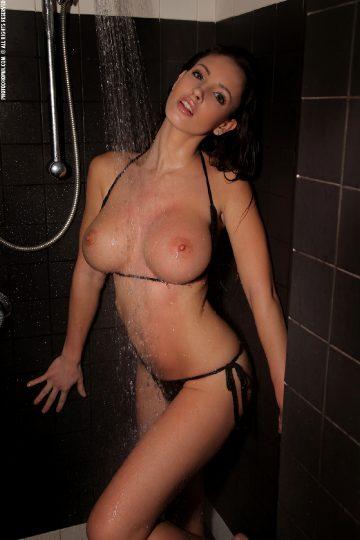 Photodromm Luciana Showershow