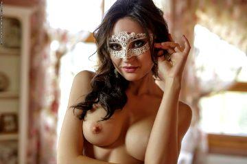 Photodromm Melanie – Behind The Mask