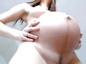 Pregnant Beauty on Cam