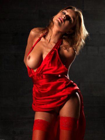 Pretty Via Nude Art Pictures
